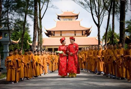 Lễ cưới tại chùa nét đẹp trong văn hóa cưới hỏi