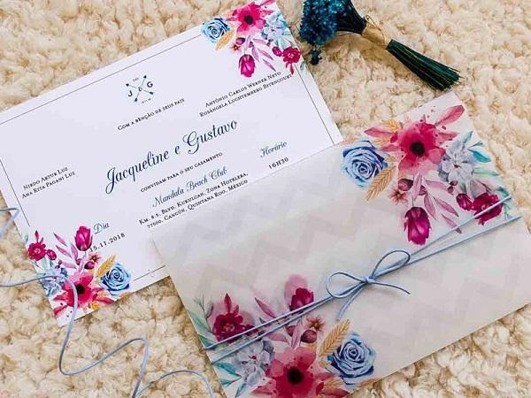 Thiệp cưới bằng nhựa trong, in họa tiết bắt mắt gây ấn tượng
