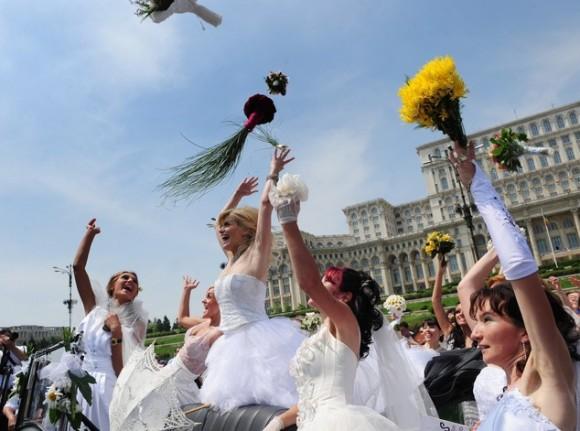 Tung hoa tiết mục nên có trong đám cưới 3 miền