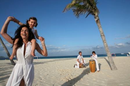 Tổ chức kỷ niệm ngày cưới cho bố mẹ