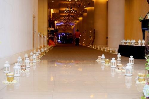Tự trang trí tiệc cưới tại nhà hàng
