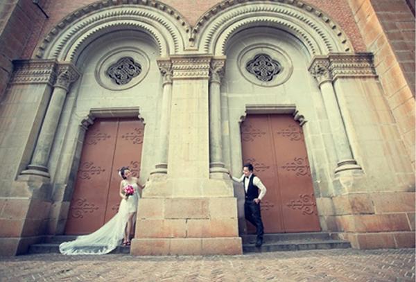 Chụp hình cưới đẹp tại nhà thờ Đức Bà