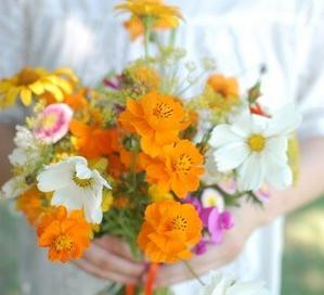 Tiết kiệm chi phí với hoa cưới tự làm