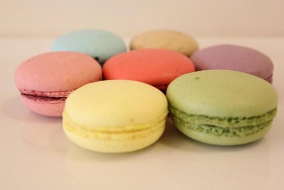 Macaron có rất nhiều màu sắc, chủ yếu là gam màu pastel
