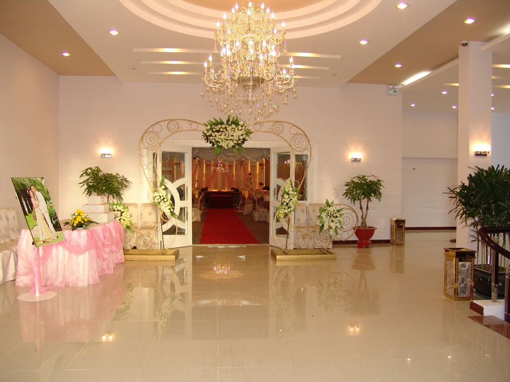 Thiết kế sảnh vào tạo trung tâm tiệc cưới - hội nghị Âu Cơ